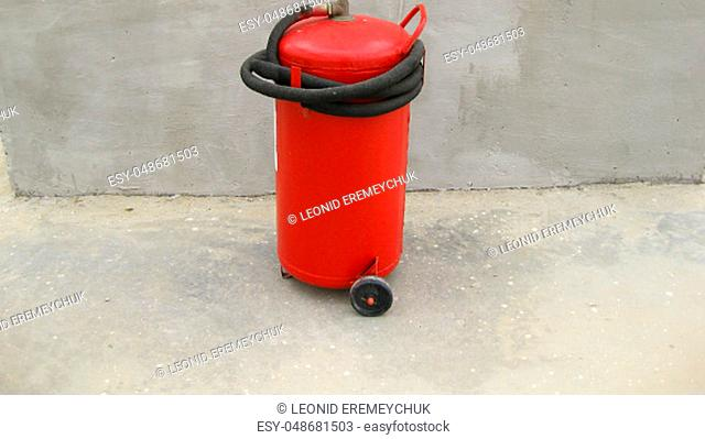Fire extinguisher. Equipment for primary oil refining