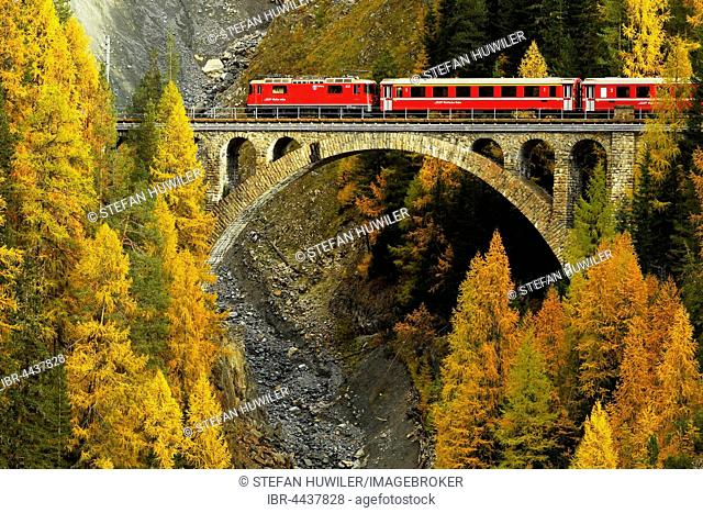 Rhaetian Railway, Val-Mela Viaduct, Graubünden Canton, Switzerland