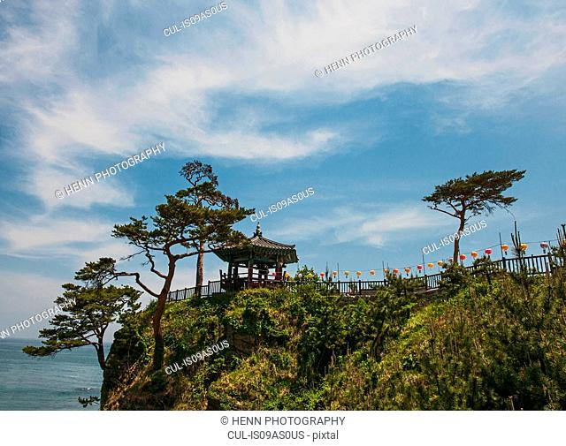 View of cliff top pavilion at Naksansa Temple, Naksansa, Yangyang, Gangwon province, South Korea