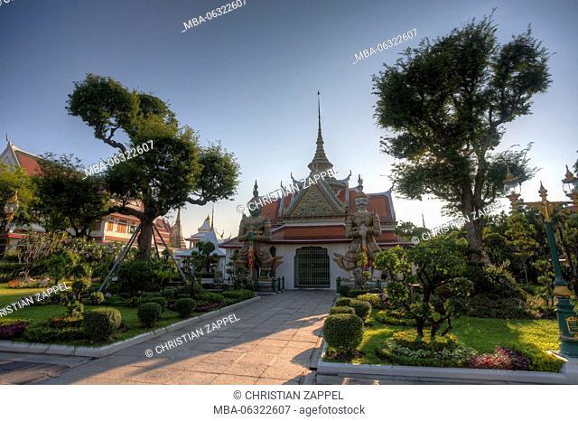 Wat Arun outbuilding, Temple of Dawn, Bangkok, Thailand, Asia