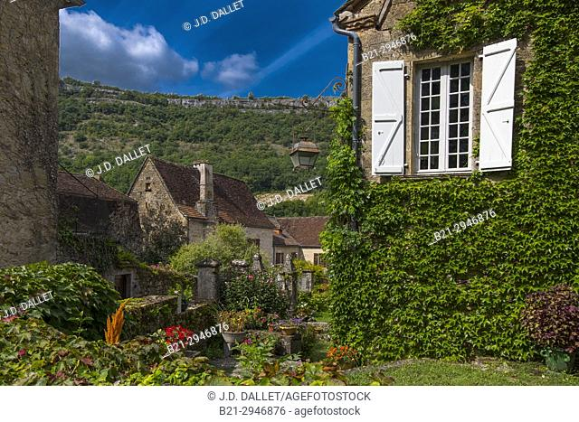"France, Occitanie,Lot, Medieval village of Autoire ,""""Plus beau village de France"""". (Dordogne river's valley)"