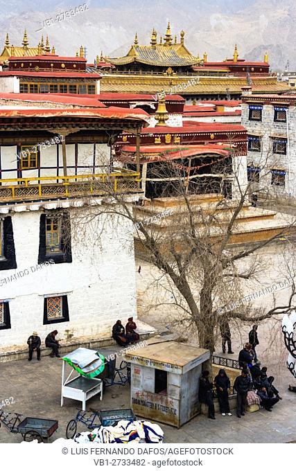 Side view of Johang temple. Lhasa, Tibet