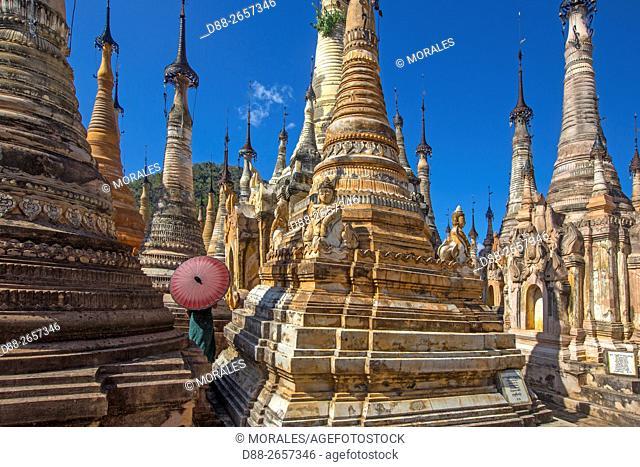 Myanmar, Shan State, Inle lake, Shwe Inn Dain Pagoda