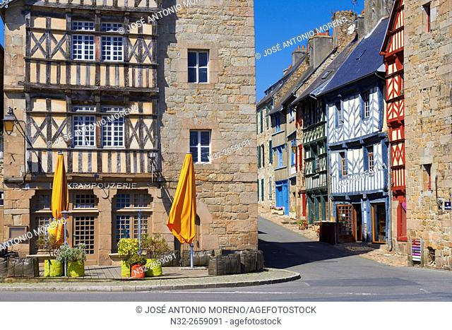 Treguier, Town Gate, Côtes d'Armor, Lannion District, Bretagne, Brittany. France