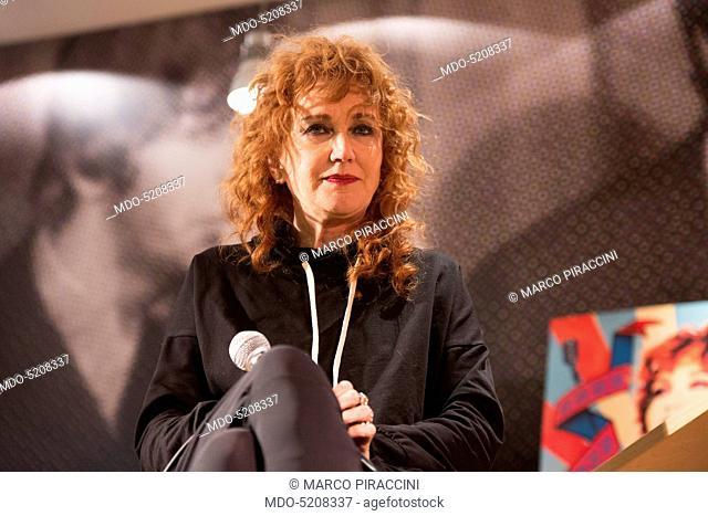 Singer Fiorella Mannoia presenting her latest album entitled Combattente at laFeltrinelli Libri e Musica. Milan, Italy. 8th November 2016