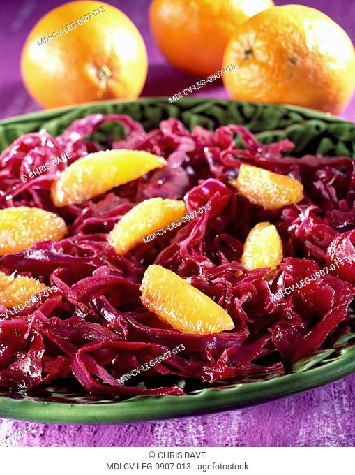 Braised red cabbage with oranges