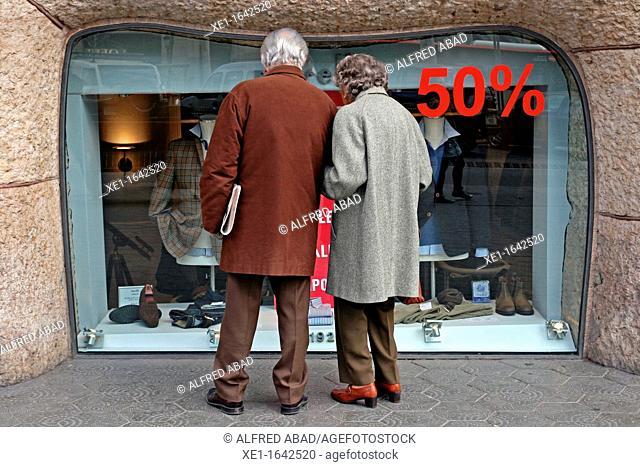 sales, boutique, Passeig de Gracia, Barcelona, Catalonia, Spain