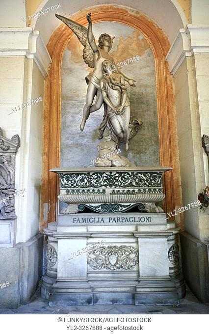 Picture and image of the stone sculpture commissioned by Luigi Parpaglioni, a rich trader coming from the Lombardy, because of his daughter's death