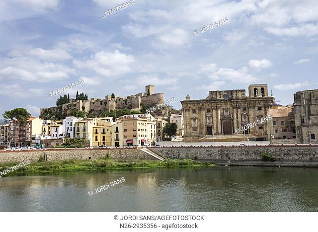 Santa Maria Cathedral. Tortosa. 1597. Gothic and baroque. Sant Joan castle. Ebro river