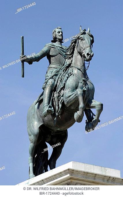 Equestrian statue of Philip IV, 1605-1665, king of Spain, La Placa de Oriente, Madrid, Spain, Europe