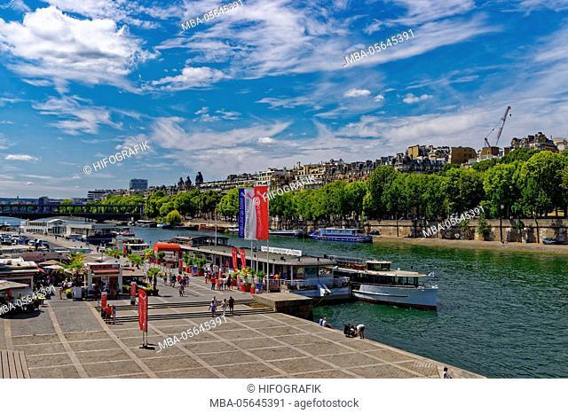 'Seine' tour, Paris, France