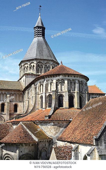 Church Sainte-Croix-Notre-Dame, UNESCO World Heritage Site, La Charité-sur-Loire, Burgundy, France
