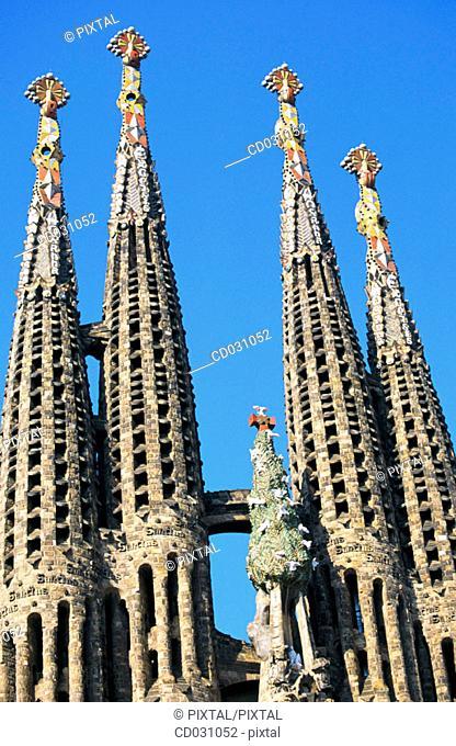 Bell towers of the Sagrada Familia, Church of the Holy Family (Gaudí, 1883-...). Barcelona. Spain