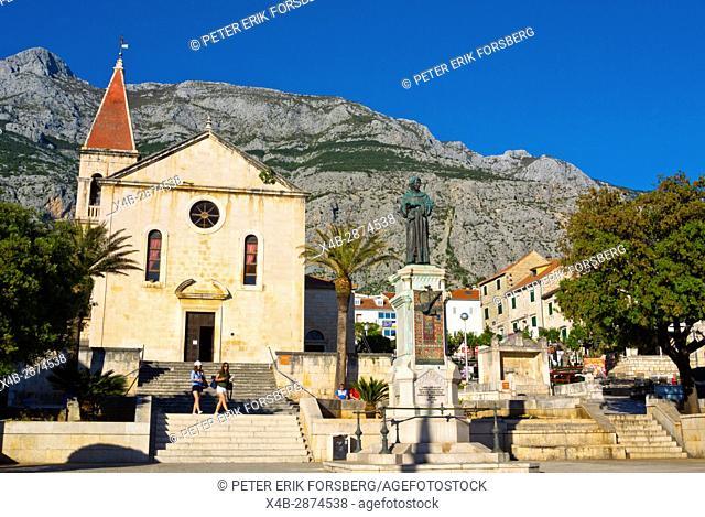 KaÄ. ićev trg, main square, Makarska, Dalmatia, Croatia
