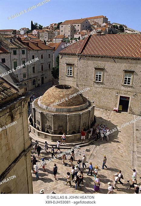 Croatia, Dubrovnik, Old Town, Placa, Plaza Stradun, Onofrio Fountain, Onorfijeva Fontana