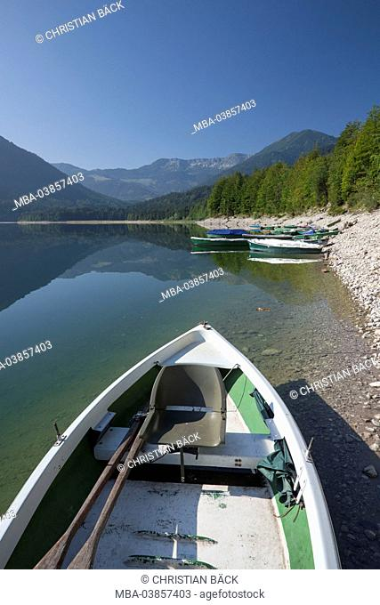 rowing boats at the Sylvenstein Dam, in the Isar valley at Fall, Upper Bavaria, Bavaria, Germany