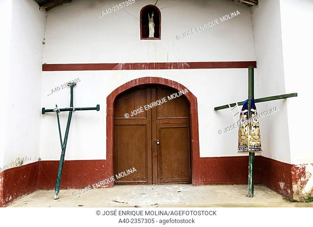 Carhuamayo church 17th century. Junin department. Perú