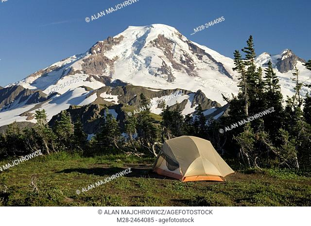 Backcountry campsite on Skyline Divide, Mount Baker Wilderness Washington