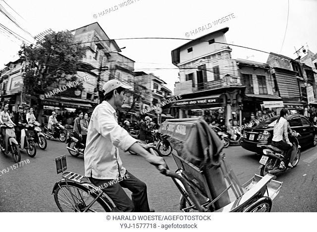 Asia, Vietnam, Hanoi  Hanoi old quarter  Cyclo driver