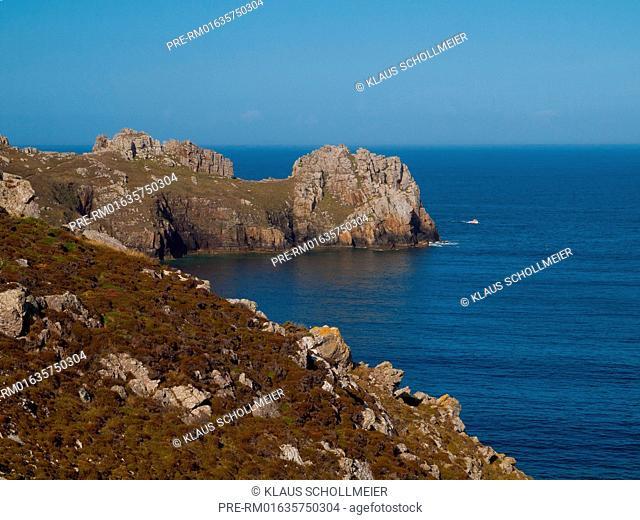 Look on Pointe de Dinan, Crozon peninsula, Departement Finistere, Brittany, France / Blick auf den Pointe de Dinan, Halbinsel Crozon, Departement Finistere