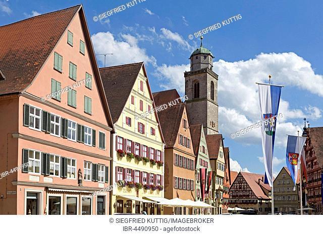 Gabled houses and minster, Segringer Straße, Dinkelsbühl, Middle Franconia, Bavaria, Germany