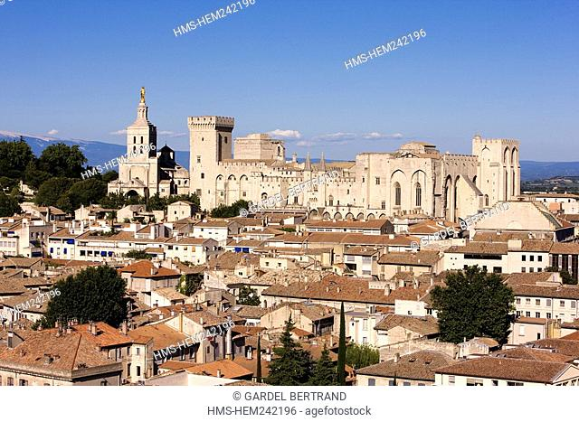 France, Vaucluse, Avignon, the Palais des Papes listed as World Heritage by UNESCO, and the Remparts