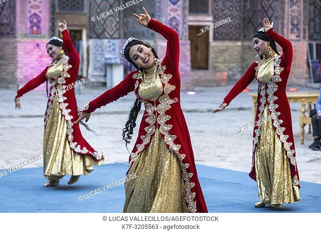 Traditional dance, folklore, Samarkand, Uzbekistan