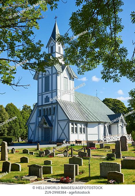 White painted octagonal wooden church, built in the late 1800's, Ljustero, Stockholm County, Sweden, Scandinavia. . Ljustero is an island in the northern part...