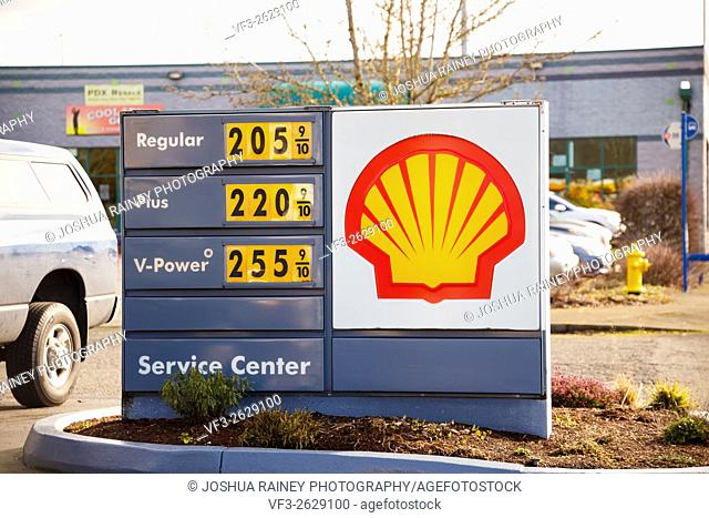 PORTLAND, OR - FEBRUARY 2, 2016: Gas prices at a recent low for Oregon at this Shell station