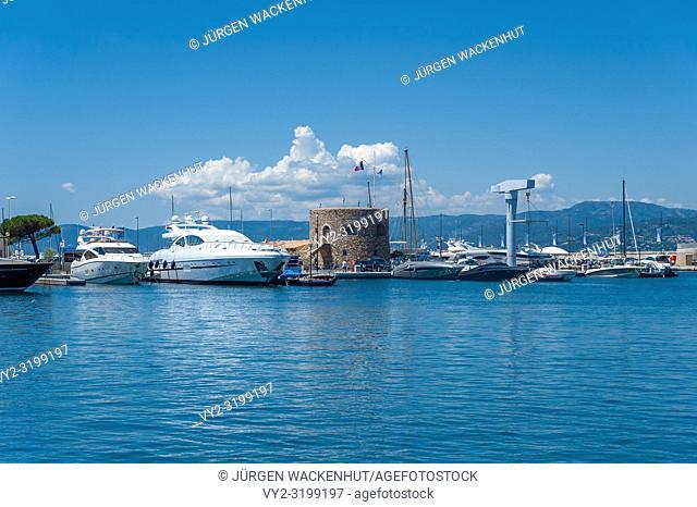Marina with the Tour du Portalet tower, Saint-Tropez, Var, Provence-Alpes-Cote d`Azur, France, Europe