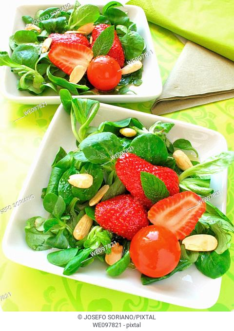 Salad with almonds