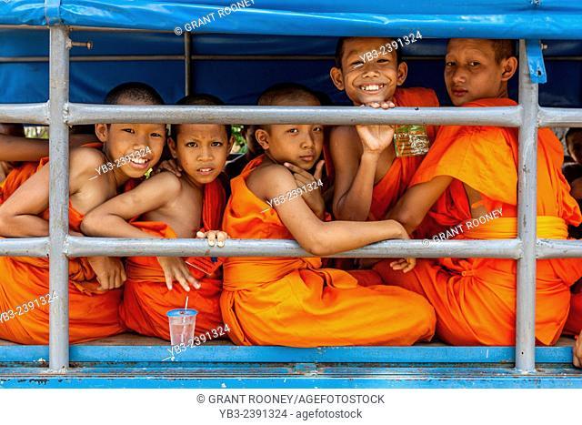 Novice Monks, Wat Si Chum, Sukhothai, Thailand