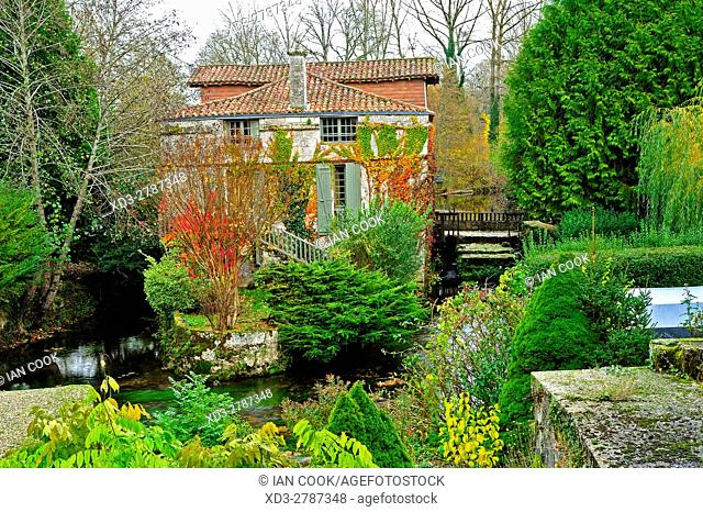 Moulin Seigneurial, Bourdeilles, Dordogne Department, Aquitaine, France