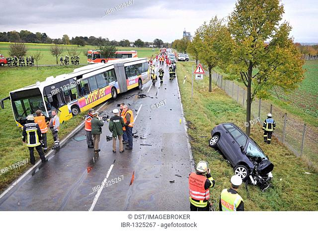 Fatal traffic accident, C-Class driver collided together with a bus on the L 1202 road between Steckfeld and Moehrungen, Stuttgart, Baden-Wuerttemberg, Germany