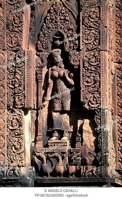 Sculpture Cambodia - Angkor, Banteay Srei temple