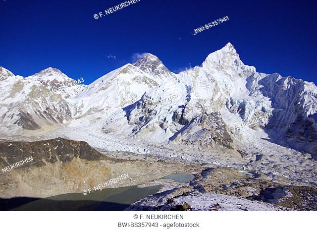 Changtse, Mount Everest (in front West Shoulder) and Nuptse. View from Kala Patthar, Nepal, Himalaya, Khumbu Himal