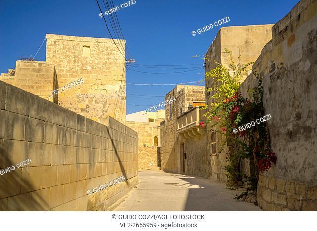 Malta, Gozo. Narrrow lane in Gharb