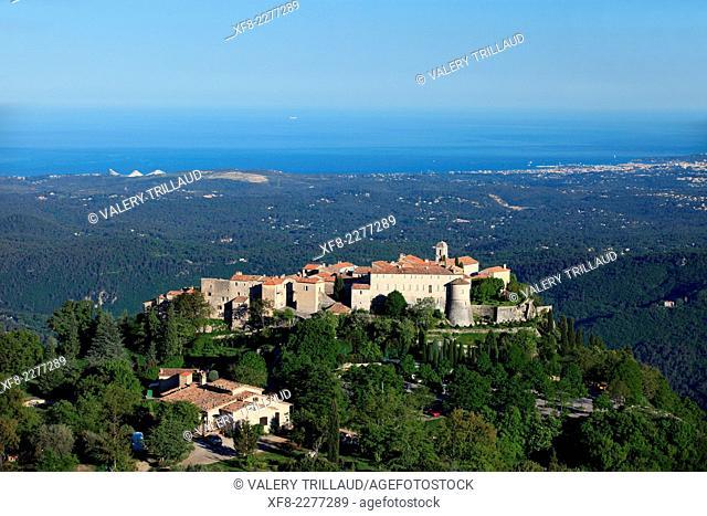 The medieval perched village of Gourdon in the Préalpes d'Azur regional park, Alpes-Maritimes, Provence-Alpes-Côte d'Azur, France