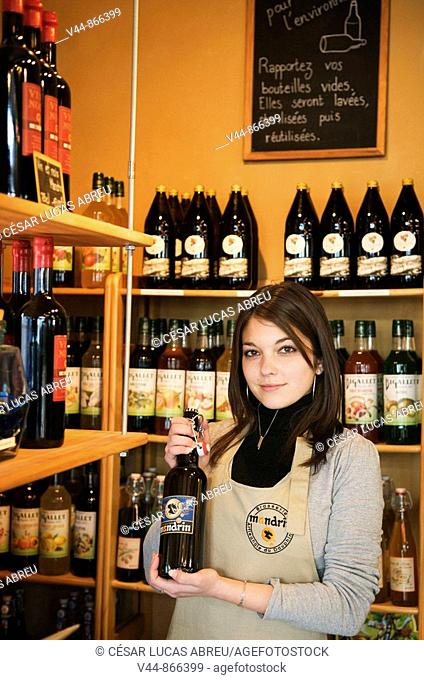 'Mandrin' walnut beer, Grenoble. Rhône-Alpes, France