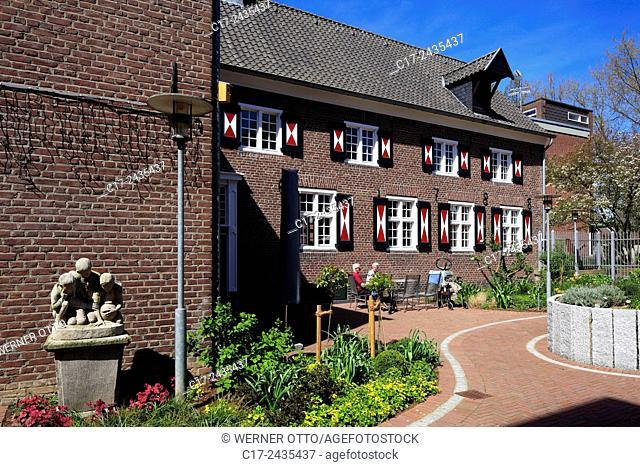 Germany, Goch, Niers, Lower Rhine, Rhineland, North Rhine-Westphalia, NRW, womens house, retirement home, brick building