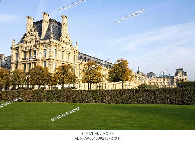 France, Paris, The Louvre viewed from the Jardin des Tuileries