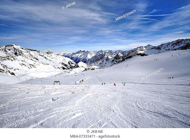 Austria, Tyrol, Stubai Valley, Neustift, Stubai Glacier, ski slope Kogelferner, behind ski slope Daunferner, mountain panorama