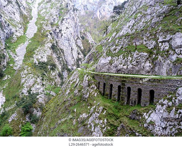Ruta del Cares, Picos de Europa National Park, Cain, Leon, Spain