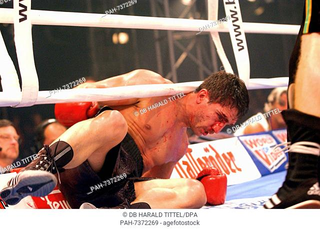 (dpa) - German boxer Markus Beyer is bleeding as he goes to the ground for  the second time during the World Boxing Council WBC Supermiddleweight title  bout ... 9f9c2c4e9