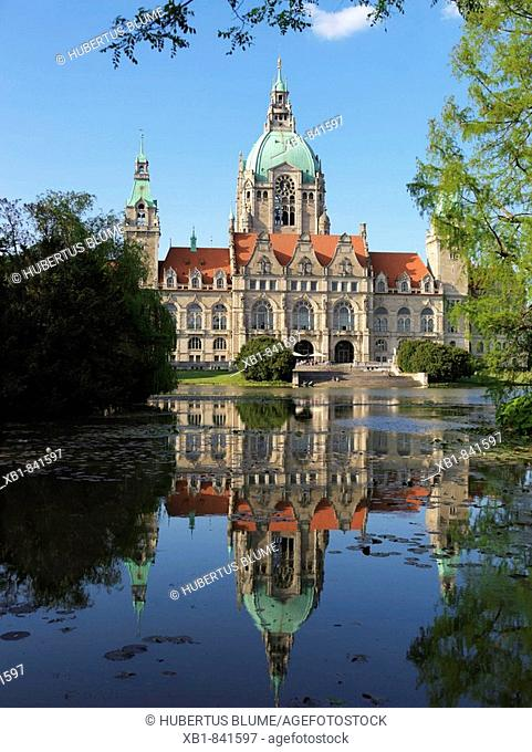New Town Hall, view from the Masch park, built 1913 by the architects Hermann Eggert und Gustav Halmhuber, Hannover, Lower Saxony, Germany