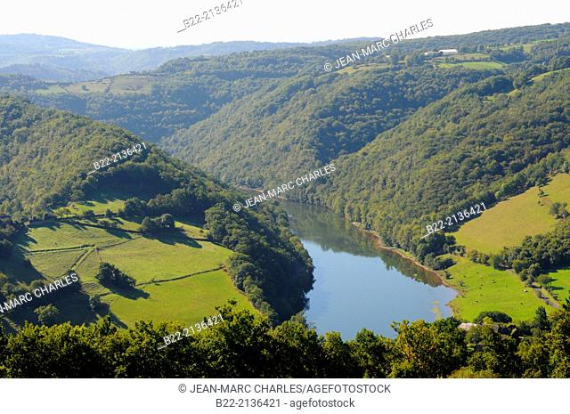 Lanscape of the area of Estaing, Le Nayrac, Lot Valley, North Aveyron, Midi-Pyrénées, France