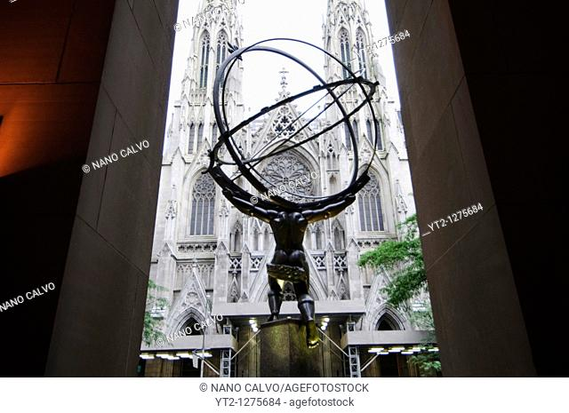 Atlas Statue made in 1936 by Lee Lawrie and Rene Chambellan in Rockefeller Center, Manhattan, New York City, New York State, USA