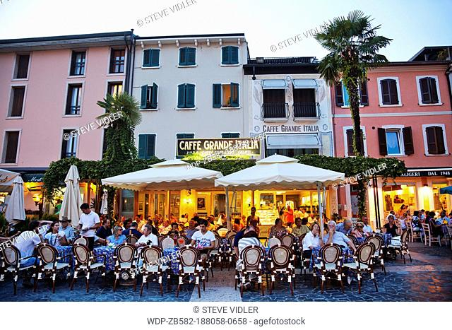 Italy, Lombardy, Lake Garda, Simione, Outdoor Cafes