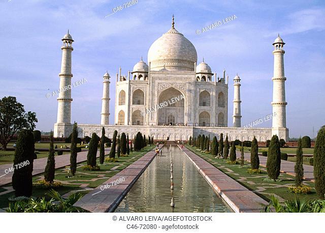 Taj Mahal (1631-1653), Agra. Uttar Pradesh, India
