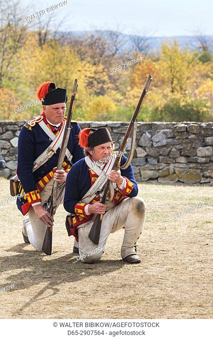 USA, New York, Adirondack Mountains, Ticonderoga, Fort Ticonderoga,soldiers with muskets, NR